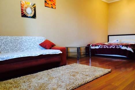 Сдается 1-комнатная квартира посуточнов Казани, Меридианная улица 8.