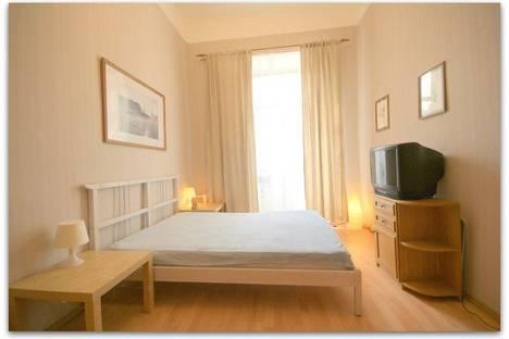 Сдается 2-комнатная квартира посуточнов Санкт-Петербурге, Троицкий 5.