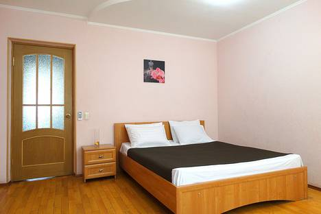 Сдается 3-комнатная квартира посуточно в Туле, ул. Тимирязева, д. 95.
