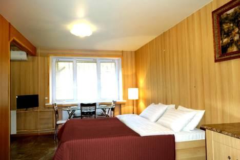 Сдается 1-комнатная квартира посуточно в Туле, ул. Фридриха Энгельса, д. 54.