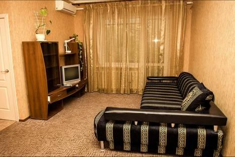 Сдается 1-комнатная квартира посуточно в Ростове-на-Дону, проспект Михаила Нагибина, 22.