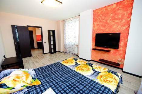 Сдается 1-комнатная квартира посуточно в Саратове, ул. Вольский переулок 15.