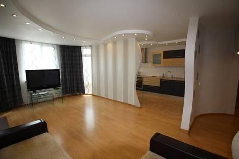Сдается 2-комнатная квартира посуточнов Иркутске, ул. Трудовая, 129а.