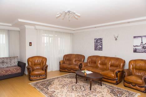 Сдается 2-комнатная квартира посуточно в Ессентуках, ул. Советская, 18а.