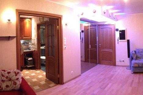 Сдается 1-комнатная квартира посуточнов Санкт-Петербурге, ул. Лени Голикова, 25.