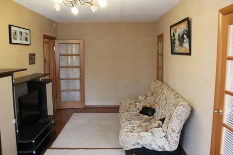 Сдается 3-комнатная квартира посуточнов Кстове, ул. Короленко, д.19.