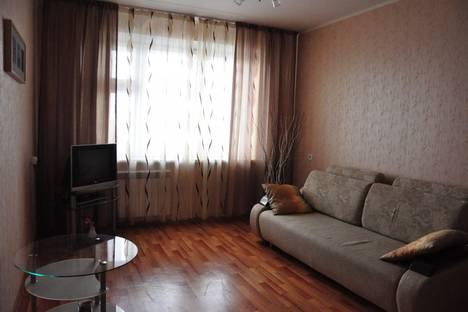 Сдается 2-комнатная квартира посуточно в Набережных Челнах, пр.Мира 6А (9/42).