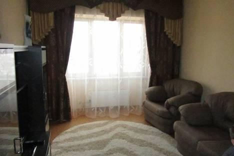 Сдается 3-комнатная квартира посуточно в Новокузнецке, ул. Запорожская, 73.