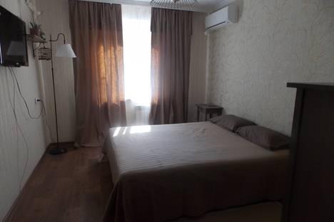 Сдается 1-комнатная квартира посуточнов Волжском Утёсе, ул. Лизы Чайкиной, 34.