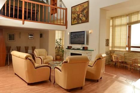 Сдается 3-комнатная квартира посуточно в Перми, Петропавловская 123.