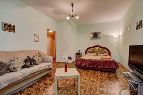 Сдается 1-комнатная квартира посуточно в Санкт-Петербурге, Варшавская ул., 19.