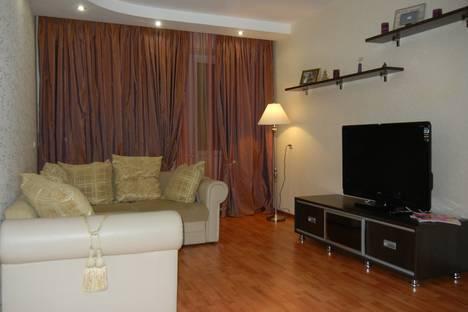 Сдается 2-комнатная квартира посуточно в Усинске, ул. Пионерская, 5.