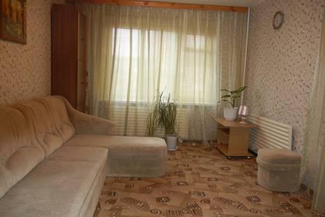 Сдается 1-комнатная квартира посуточно в Усинске, ул. Строителей, 14.