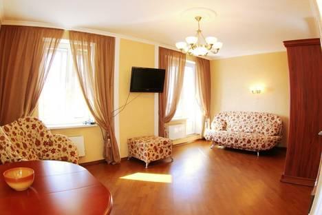 Сдается 1-комнатная квартира посуточнов Колпино, улица Пулковская 8/2.