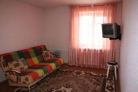 Сдается 1-комнатная квартира посуточно в Октябрьском, ул. Островского 35.
