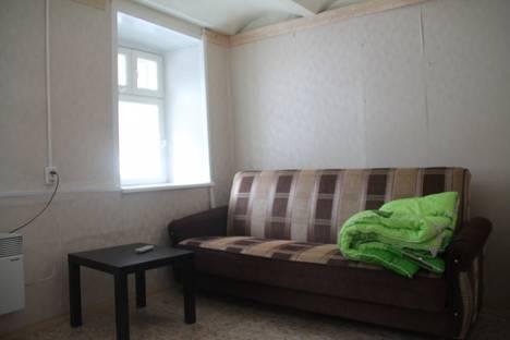 Сдается 2-комнатная квартира посуточно в Павлове, ул. Ленина, 20.