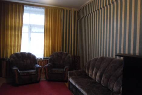 Сдается 2-комнатная квартира посуточно в Омске, пр.К.Маркса 34.