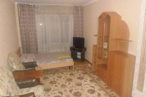 Сдается 1-комнатная квартира посуточно в Омске, ул. Транссибирская, 6/1.