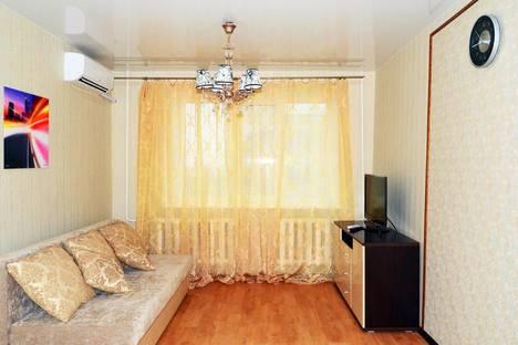 Сдается 2-комнатная квартира посуточно в Хабаровске, ул.Ленинградская 25.