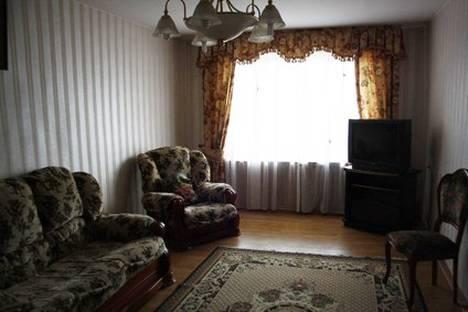 Сдается 3-комнатная квартира посуточно в Кисловодске, Орджоникидзе 28.