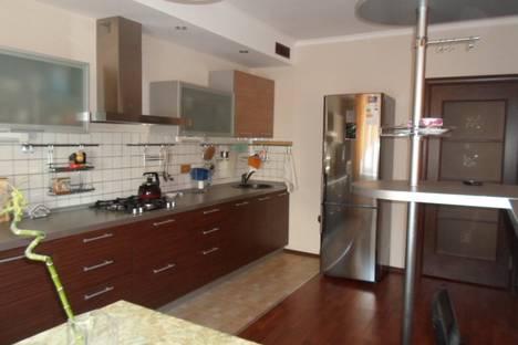 Сдается 3-комнатная квартира посуточнов Казани, ул. Чистопольская, 70.