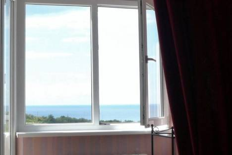 Сдается 1-комнатная квартира посуточно в Геленджике, ул. Грибоедова, 60А.