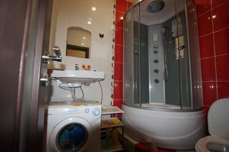 Сдается 1-комнатная квартира посуточно в Магнитогорске, ул. Набережная, 24.
