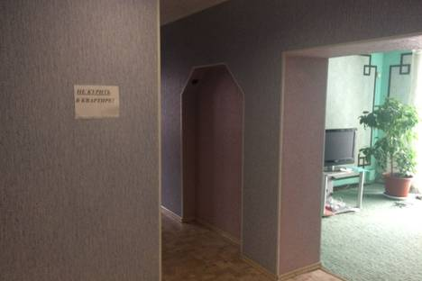 Сдается 2-комнатная квартира посуточнов Ленинске-Кузнецком, проспект Ленина, 4.