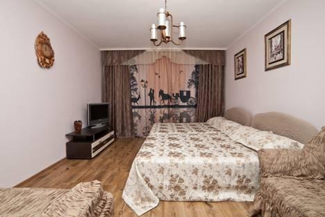 Сдается 1-комнатная квартира посуточно в Екатеринбурге, ул. Уральских рабочих, 21.
