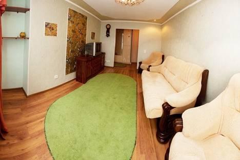 Сдается 2-комнатная квартира посуточно, ул. Куйбышева, 80.