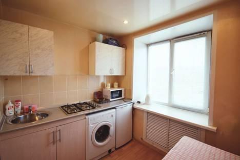 Сдается 2-комнатная квартира посуточно в Ярославле, ул. Калинина, 23.
