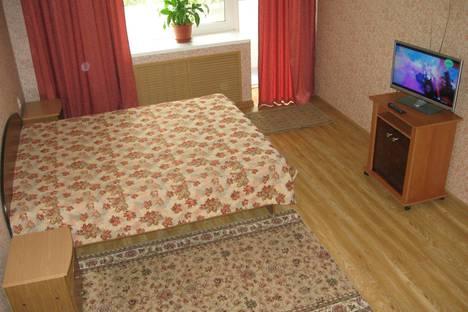 Сдается 1-комнатная квартира посуточно, Бутина, 127.