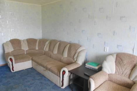 Сдается 1-комнатная квартира посуточно в Каменск-Уральском, ул. Добролюбова, 4.