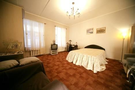 Сдается 1-комнатная квартира посуточнов Санкт-Петербурге, Восстания 23.