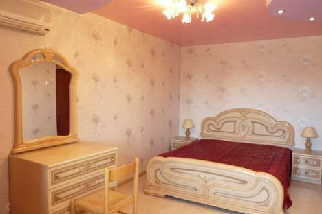 Сдается 2-комнатная квартира посуточнов Хабаровске, Амурский бульвар, 18.