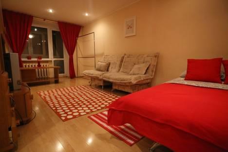 Сдается 1-комнатная квартира посуточно в Уфе, ул. Цюрупы, д. 84.