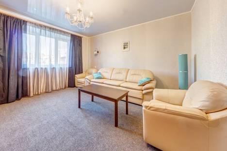 Сдается 3-комнатная квартира посуточно в Челябинске, ул. Пушкина, 55.