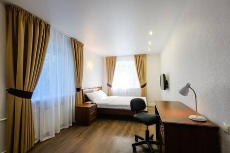 Сдается 2-комнатная квартира посуточно в Томске, проспект Кирова, 39а.