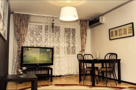 Сдается 4-комнатная квартира посуточно в Ростове-на-Дону, ул. Пушкинская, 181.