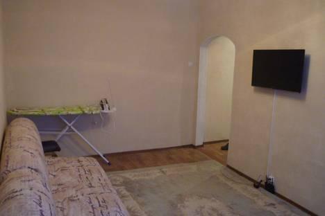 Сдается 2-комнатная квартира посуточно в Пскове, ул. Льва Толстого, 22.
