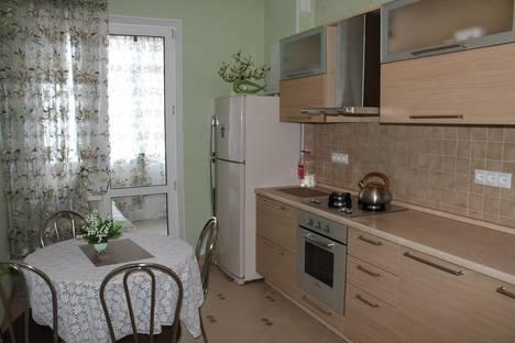 Сдается 1-комнатная квартира посуточно в Геленджике, ул. Колхозная, 11.