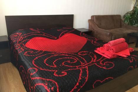 Сдается 1-комнатная квартира посуточно в Тольятти, ул. Фрунзе 8 в.