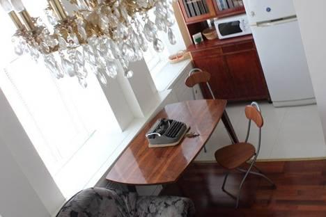 Сдается 2-комнатная квартира посуточнов Санкт-Петербурге, ул. Рубинштейна, д. 19.