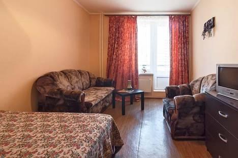 Сдается 1-комнатная квартира посуточнов Санкт-Петербурге, ул. Пулковская, д. 8к2.
