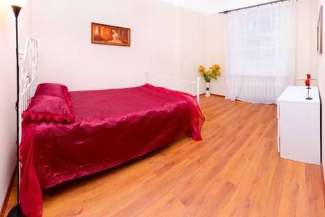 Сдается 2-комнатная квартира посуточнов Санкт-Петербурге, ул. Графтио, д. 4.