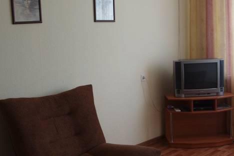 Сдается 2-комнатная квартира посуточно в Новороссийске, проспект Ленина, 107.