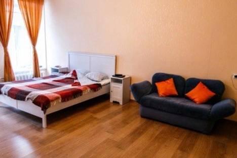 Сдается 1-комнатная квартира посуточнов Санкт-Петербурге, ул. Большая Подьяческая, 12.