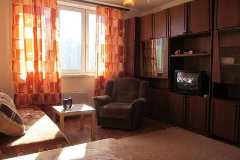 Сдается 1-комнатная квартира посуточно в Екатеринбурге, Парниковая 8.