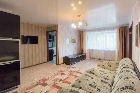 Сдается 2-комнатная квартира посуточно в Красноярске, ул. Мичурина, 4.