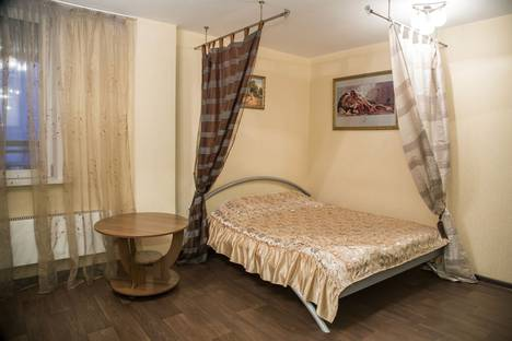 Сдается 1-комнатная квартира посуточнов Красноярске, ул. Авиаторов, 38.